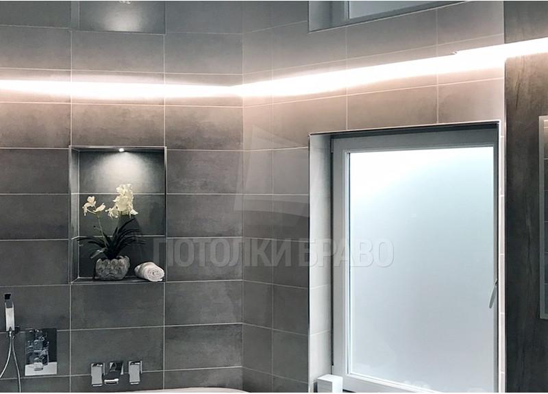 Серый глянцевый натяжной потолок для ванной комнаты НП-1293 - фото 2