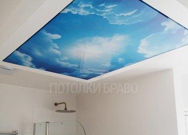 Голубой матовый натяжной потолок с изображением неба НП-1301