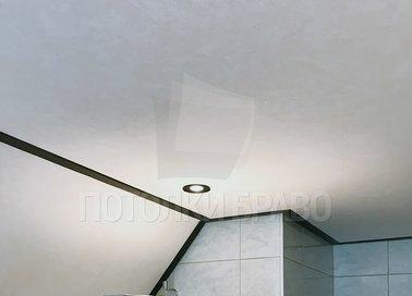 Матовый натяжной потолок под углом НП-1305