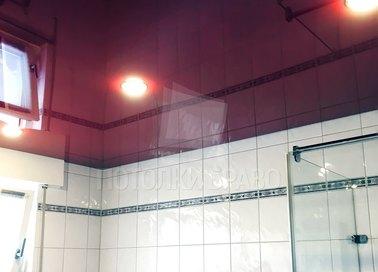 Глянцевый розовый натяжной потолок в ванну НП-1322
