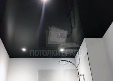 Черный глянцевый натяжной потолок для ванной комнаты НП-1340