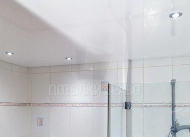 Матовый белый натяжной потолок для ванной комнаты НП-1342 - фото 3