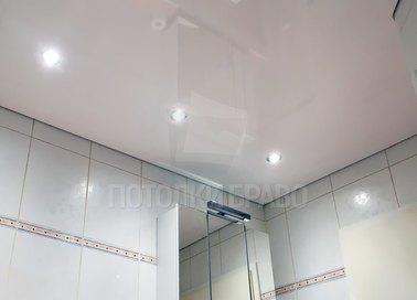 Матовый белый натяжной потолок для ванной комнаты НП-1342