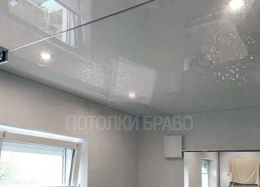 Серый натяжной потолок со светильниками НП-1356