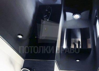 Черный зеркальный натяжной потолок для ванной комнаты НП-1357