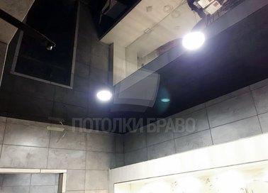 Черный глянцевый натяжной потолок с отражением НП-1359