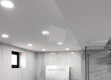 Матово-сатиновый натяжной потолок для ванной комнаты НП-1360