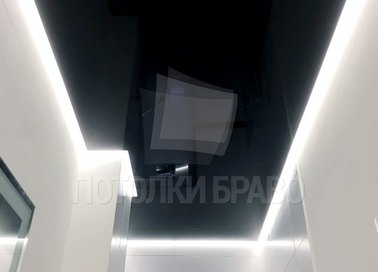 Черный глянцевый натяжной потолок с подсветкой НП-1363