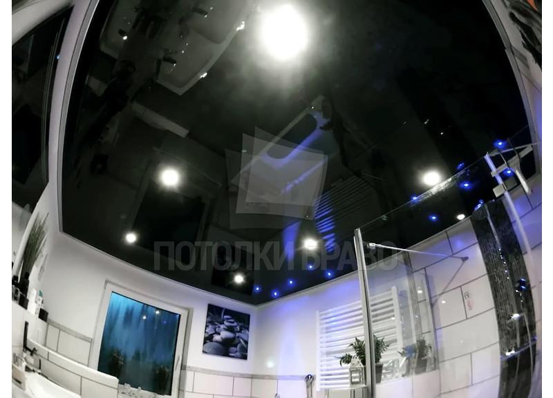 Современный черный глянцевый натяжной потолок НП-1375