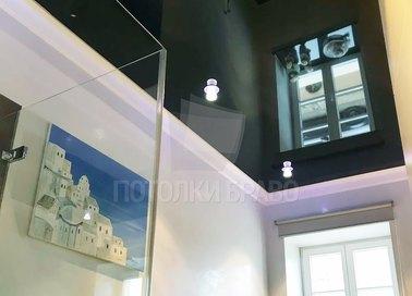 Глянцевый черный классический натяжной потолок НП-1377