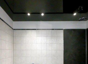 Сложный глянцевый натяжной потолок для ванной комнаты НП-1378 - фото 3
