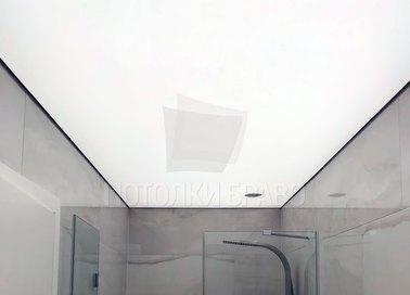 Аккуратный матовый натяжной потолок НП-1380