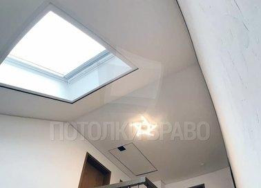 Угловой матовый натяжной потолок для коридора НП-1382
