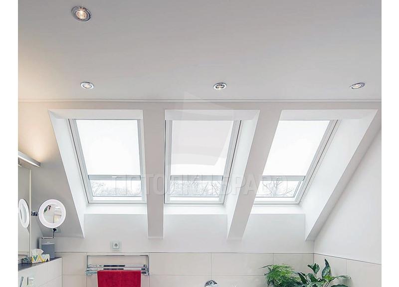 Угловой матовый натяжной потолок для ванной комнаты НП-1396