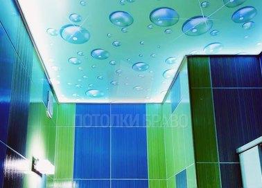 Голубой матовый натяжной потолок с каплями для туалета НП-1398