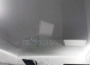 Серый зеркальный натяжной потолок для коридора НП-1417