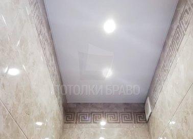Стандартный матовый натяжной потолок для туалета НП-1424