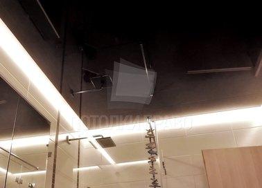 Глянцевый черный натяжной потолок для ванны НП-1432