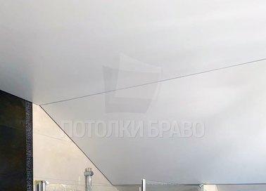 Наклонный матовый белый натяжной потолок НП-1437 - фото 3