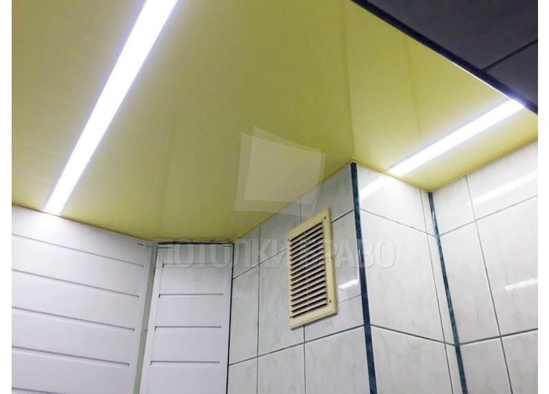 Лимонный глянцевый натяжной потолок в ванную НП-1448