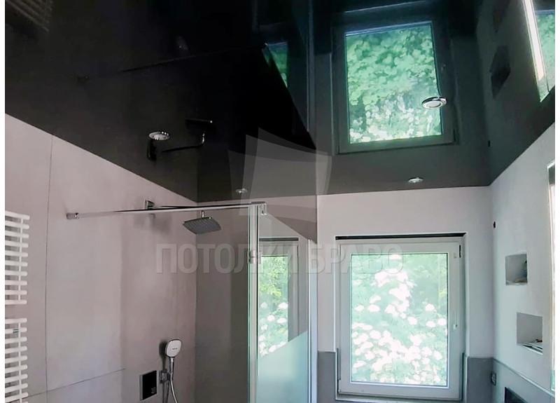 Черный зеркальный натяжной потолок для ванной комнаты НП-1457