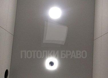 Серый матовый натяжной потолок для туалета НП-1464