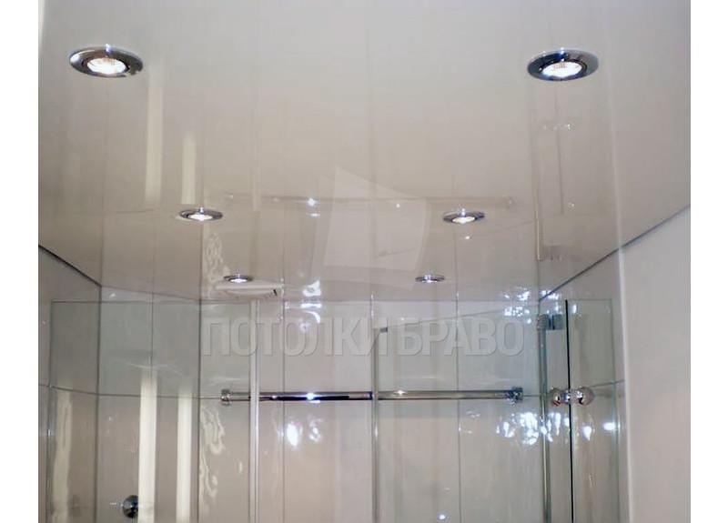 Молочный глянцевый натяжной потолок для ванной комнаты НП-1466