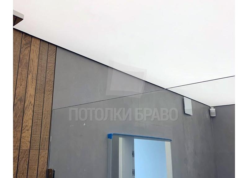 Матовый белый натяжной потолок для ванной комнаты НП-1477 - фото 2