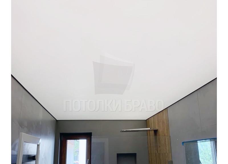 Матовый белый натяжной потолок для ванной комнаты НП-1477