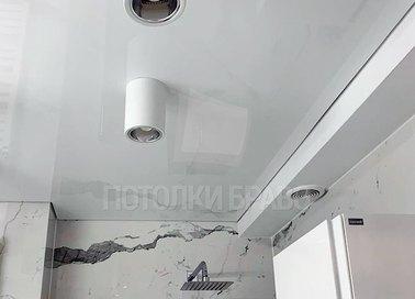 Сатиновый натяжной потолок с подсветками для ванной НП-1499 - фото 2