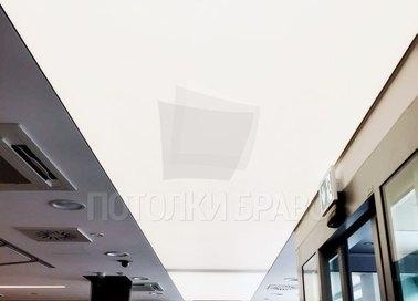 Матовый натяжной потолок с освещением для офиса НП-1527