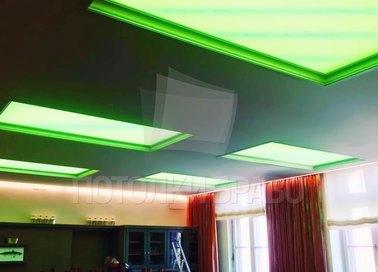 Черный матовый натяжной потолок с зеленой подсветкой НП-1535