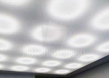 Матовый натяжной потолок с освещением для коридора НП-1538