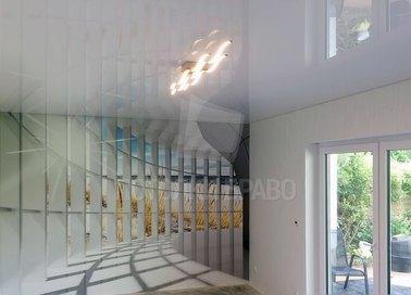 Глянцевый белый натяжной потолок НП-1549