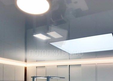 Серый глянцевый натяжной потолок НП-1559