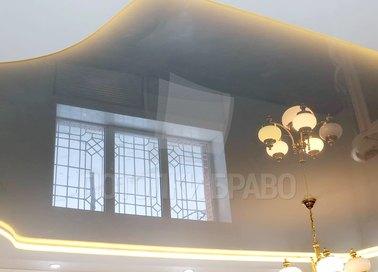 Фактурный натяжной потолок с желтой подсветкой НП-1568