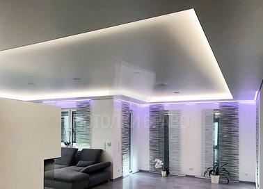 Матовый бежевый с розовой подсветкой натяжной потолок НП-1578