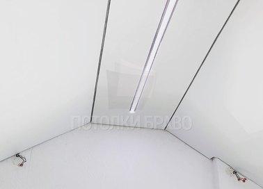 Белый матовый натяжной потолок под углом для мансарды НП-1608 - фото 2
