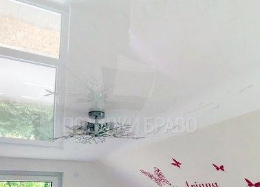 Сложный натяжной потолок с красивой люстрой НП-1612 - фото 2