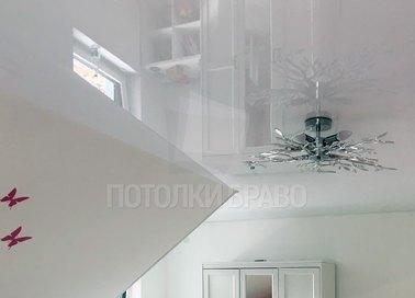Сложный натяжной потолок с красивой люстрой НП-1612