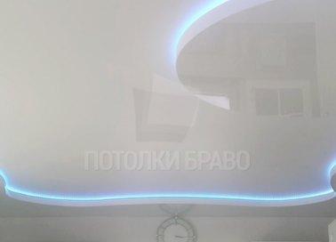 Сложный матовый натяжной потолок с голубой подсветкой НП-1628