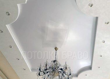 Матовый натяжной потолок в дворцовом стиле НП-1647