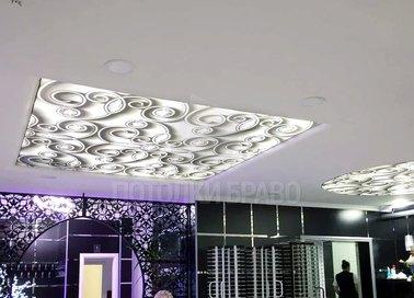 Стильный натяжной потолок для салона красоты НП-1677