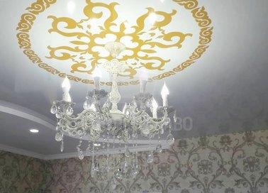 Двухуровневый желто-белый натяжной потолок НП-1688
