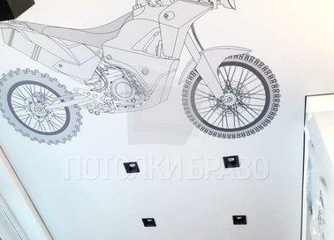 Матовый белый натяжной потолок с изображением мотоцикла НП-1733