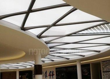 Матовый S-образный натяжной потолок для холла НП-1758 - фото 2