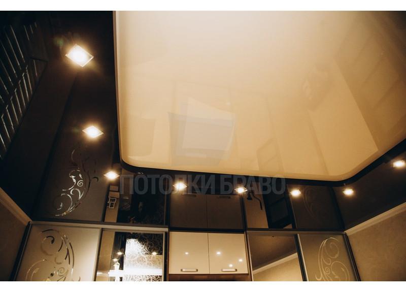 Бежево-коричневый натяжной потолок со светильниками НП-1804 - фото 2