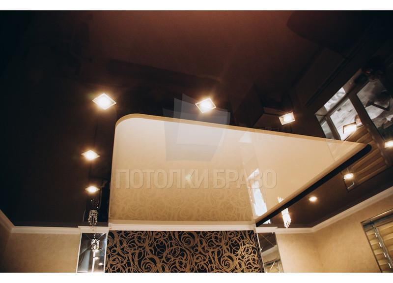 Бежево-коричневый натяжной потолок со светильниками НП-1804