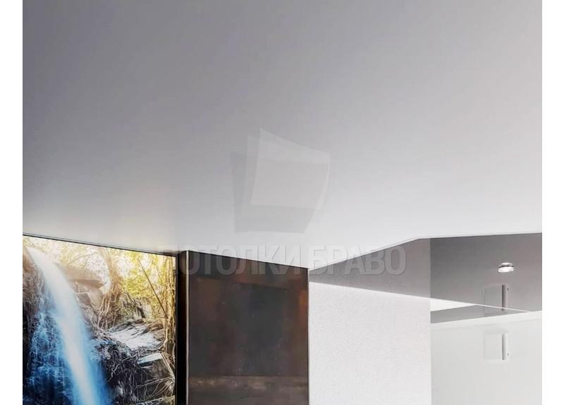 Глянцевый двухцветный серый с белым натяжной потолок НП-1831