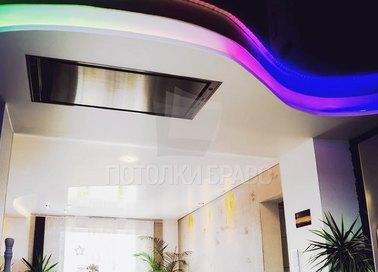 Глянцевый черный с радужной подсветкой натяжной потолок НП-1832 - фото 3